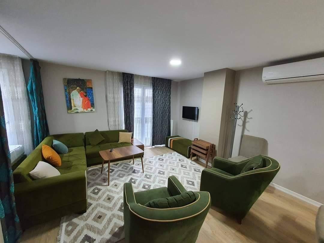 اعلان969شقة ثلاث غرف نوم وصالون حمامين مفروش لوكس للايجار السياحي قريب من مول جواهر في شيشلي اسطنبول