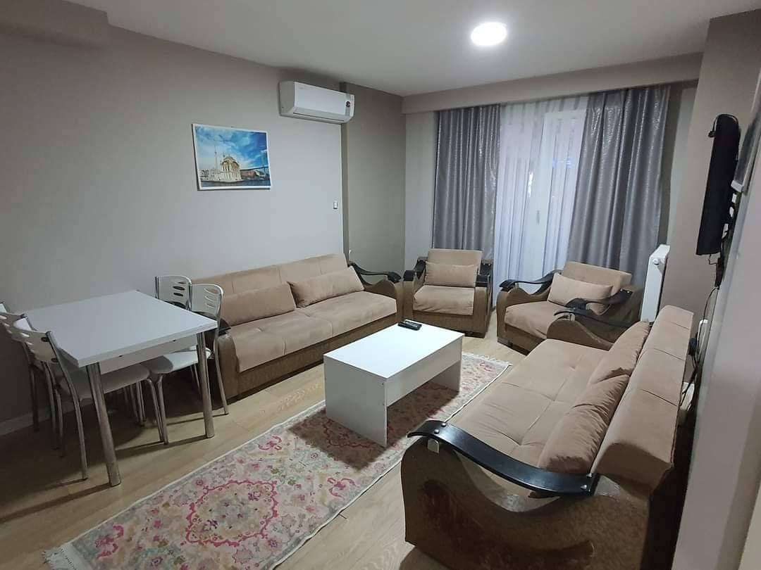 اعلان976شقة غرفتين نوم وصالة مفروش لوكس للايجار السياحي قريب من الميتروا ومول جواهر في شيشلي اسطنبو