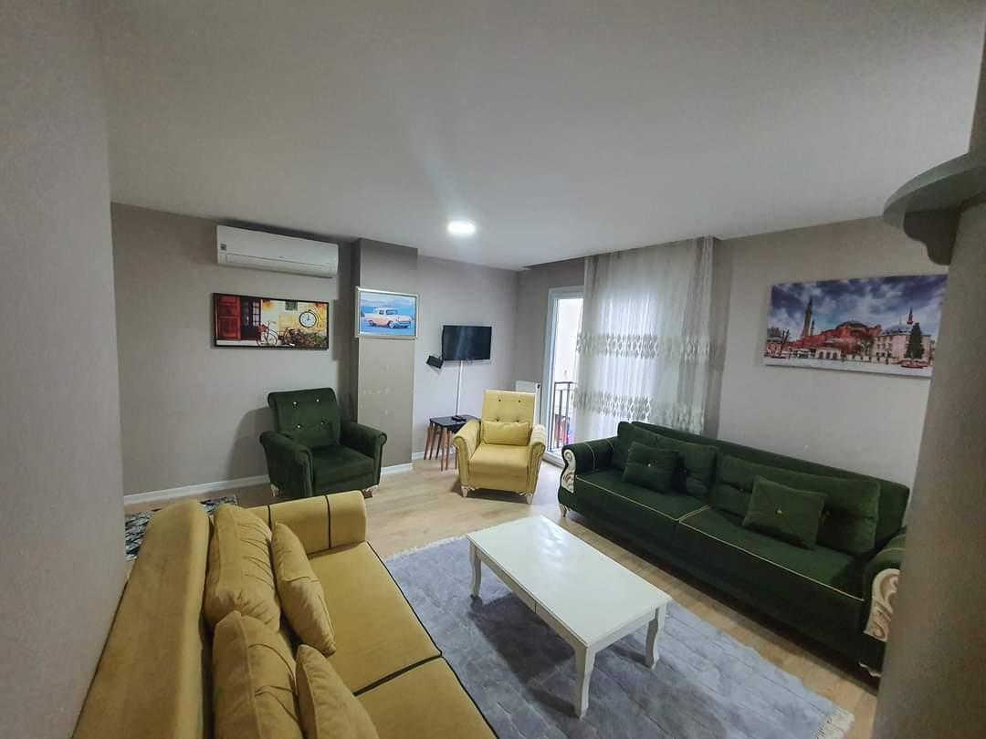 اعلان989شقة ثلاث غرف نوم وصالة حمامين مفروش إيجار سياحي قريب من الميتروا ومول جواهر في شيشلي اسطنبول
